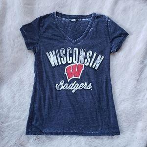 5th & Ocean Wisconsin Badgers Grey Shirt size L